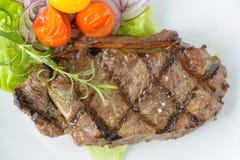 Geroosterd rundvleeslapje vlees met sommige groenten Royalty-vrije Stock Foto's
