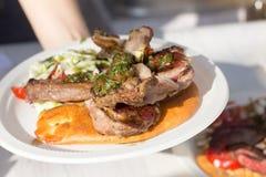 Geroosterd Schaap ribsmet Salade Royalty-vrije Stock Fotografie