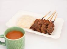 Geroosterd Varkensvlees, Varkensvleeslapje vlees, Barbecuevarkensvlees met Rijst en Hete Melk T Royalty-vrije Stock Foto