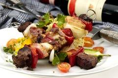 Geroosterd vlees op een spit Stock Afbeeldingen