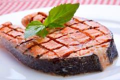 Geroosterd zalmlapje vlees Stock Foto's
