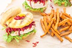De Hawaiiaanse Hamburger van de Tonijn Stock Afbeeldingen