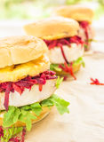 De Hawaiiaanse Hamburger van de Tonijn Royalty-vrije Stock Afbeeldingen