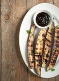 Geroosterde Aziatische lange aubergine met Hoisin-saus Royalty-vrije Stock Foto's