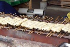 Geroosterde of geroosterde banaan Het voedsel van de straat in Thailand stock foto