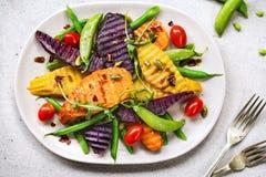 Geroosterde Bataten met Onverwacht erwt en Rocket Salad Royalty-vrije Stock Foto