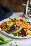 Geroosterde Bataten met Onverwacht erwt en Rocket Salad Royalty-vrije Stock Fotografie