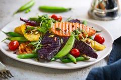 Geroosterde Bataten met Onverwacht erwt en Rocket Salad Royalty-vrije Stock Afbeelding