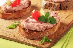 Geroosterde brood en pastei Royalty-vrije Stock Afbeeldingen