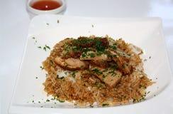 Geroosterde eend met rijst en saus stock foto's