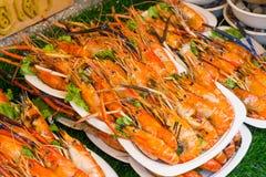 Geroosterde Garnalen en brandwond met zeevruchtensausen, Thais voedsel royalty-vrije stock foto