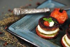 Geroosterde groenten met geitkaas Royalty-vrije Stock Foto