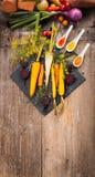 Geroosterde groenten op een bakseldienblad Royalty-vrije Stock Foto