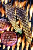 Geroosterde groenten over open vlam Stock Fotografie