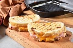 Geroosterde ham en kaassandwiches royalty-vrije stock afbeelding