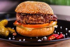 Geroosterde hamburger Stock Afbeelding
