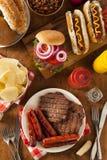 Geroosterde Hamburgers en Hotdogs Stock Afbeelding