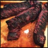 Geroosterde hangerlapjes vlees stock afbeeldingen