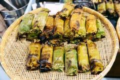 Geroosterde Kleverige Rijst in Banaanverlof met Taro het vullen royalty-vrije stock foto