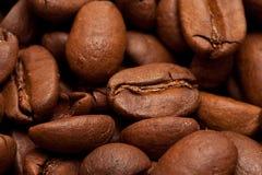 Geroosterde koffie-bonen achtergrond Royalty-vrije Stock Afbeeldingen