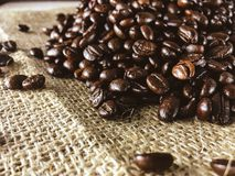 Geroosterde koffie op hennep Royalty-vrije Stock Fotografie