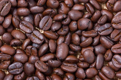 Geroosterde koffiebonen. Stock Foto's