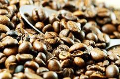 Geroosterde koffiebonen, detail stock foto's