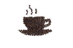Geroosterde koffiebonen die in de vorm van een kop worden geplaatst Stock Foto's