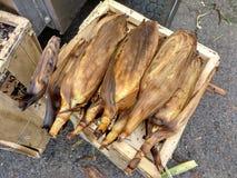Geroosterde Maïskolven bij een Lokale Straatmarkt Stock Foto's