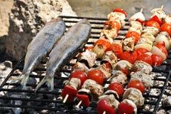 Geroosterde Makreel en vleespennen Royalty-vrije Stock Foto