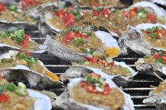 Geroosterde oester op het festival gastronomisch festival van festival gastronomisch festivalon stock fotografie