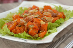 Geroosterde pompoen en salade Stock Foto