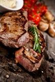 Geroosterde _-Rundvleeslapjes vlees Stock Afbeeldingen