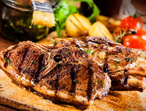 Geroosterde _-Rundvleeslapjes vlees Royalty-vrije Stock Afbeelding