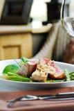 Geroosterde tonijn met asperge Royalty-vrije Stock Foto's