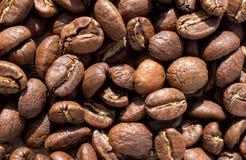 Geroosterde van koffiebonen textuur als achtergrond Stock Afbeelding
