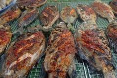 Geroosterde vissen: Het eten uit in Sabah Royalty-vrije Stock Afbeelding