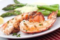 Geroosterde zeekreeftstaarten stock foto