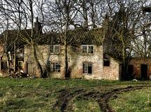 Geruïneerd huis, in kleur Stock Foto