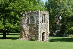 Geruïneerde duiventil van middeleeuwse abdij Stock Afbeeldingen