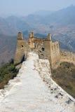 Geruïneerde Toren van beroemde grote muur in Simatai stock foto's