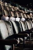Geruïneerde Zetels - het Verlaten Theater van Paramount - Youngstown, Ohio royalty-vrije stock foto