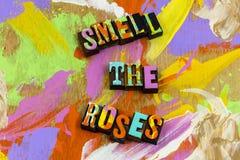 Geruchrosenblumen genie?en Natur, Friedensliebe sich zu entspannen stockbild