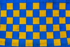 Geruite blauwe en gele stoffentextuur royalty-vrije stock fotografie
