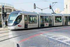 GERUSALEMME, ISRAELE - APRILE 2017: La ferrovia della luce di Gerusalemme è una l immagini stock libere da diritti