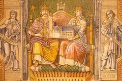 GERUSALEMME, ISRAELE - 3 MARZO 2015: Imperatore Wilhelm Ii e regina Auguste Victoria Pittura sul soffitto della chiesa luterana e fotografie stock libere da diritti