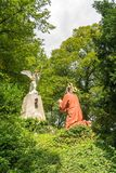 Gesù sta pregando all'angelo ed a Dio, statua su Kalvarienberg, montagna del calvario, cattivo Tolz, Baviera, Germania Fotografie Stock Libere da Diritti
