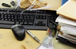 Gesamtchaos im Büro Lizenzfreie Stockbilder