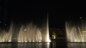 Gesangbrunnen Dubai 2017 Nachtshow stock video footage