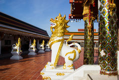 Gesangstatue bei Wat Phra That Choom Chum, Sakon Nakhon Lizenzfreie Stockbilder
